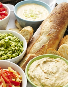 法棍 面包 沙拉 西餐 大餐 配菜图片
