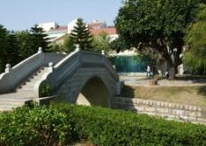 芙蓉湖边的桥图片