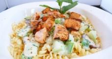 鮮三文魚莧菜螺絲粉图片
