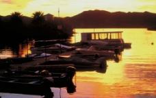 湖边的小码头图片